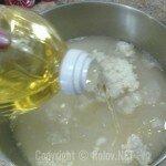 Хлеб из духовки - наливаем растительное масло