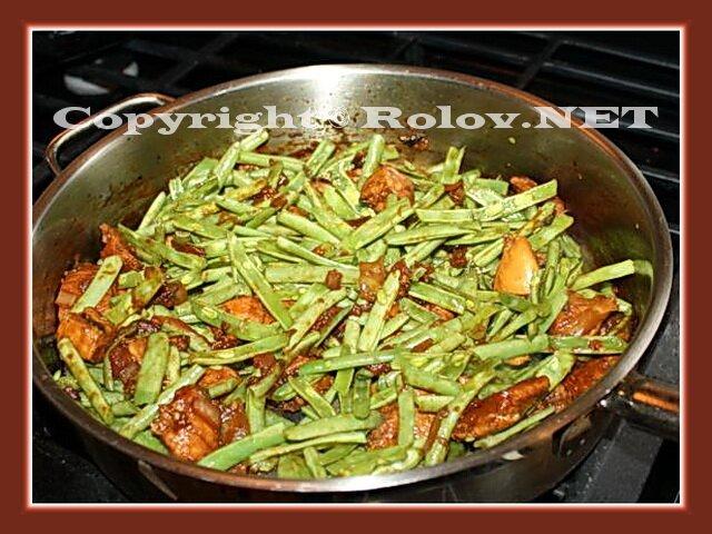 http://rolov.net/wp-content/uploads/2012/08/tushenaya-kurica-s-fasoliyu.jpg